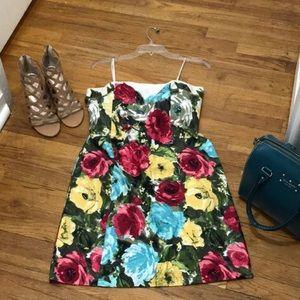💥 Gorgeous Loft strapless summer dress. Size 6